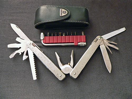 Carpenter multi tool